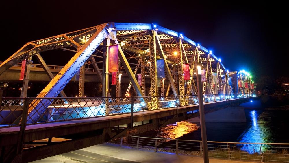 2011-09-14+Langevin+Bridge+(at+night+blue+lighting-close+up)+Mark+Eleven